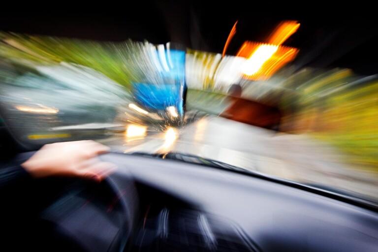 Körde mot trafiken förbi oskyddade trafikanter i centrala Ulricehamn