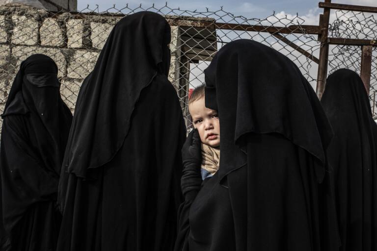 Över 500 får lämna al-Hol- lägret i Syrien