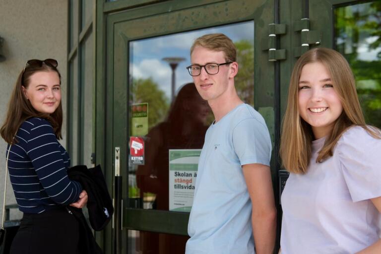 Tove Nyman, John Rosell, Tilde Landberg tar snart studenten från Tranemo gymnasieskola – men på grund av coronapandemin blir det inte alls som de hade föreställt sig.