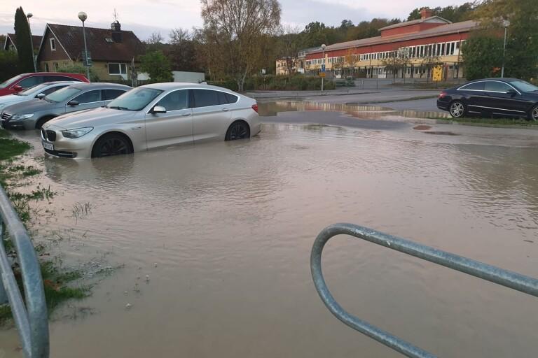 Vattenläcka - delar av staden blev utan vatten