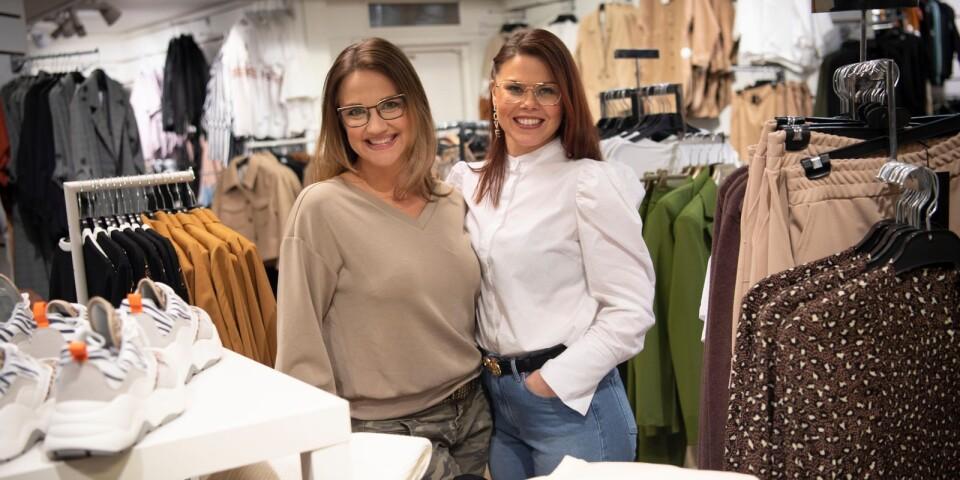 Madlén Trasthe och Anna Bergstedt har alltid roligt på jobbet.
