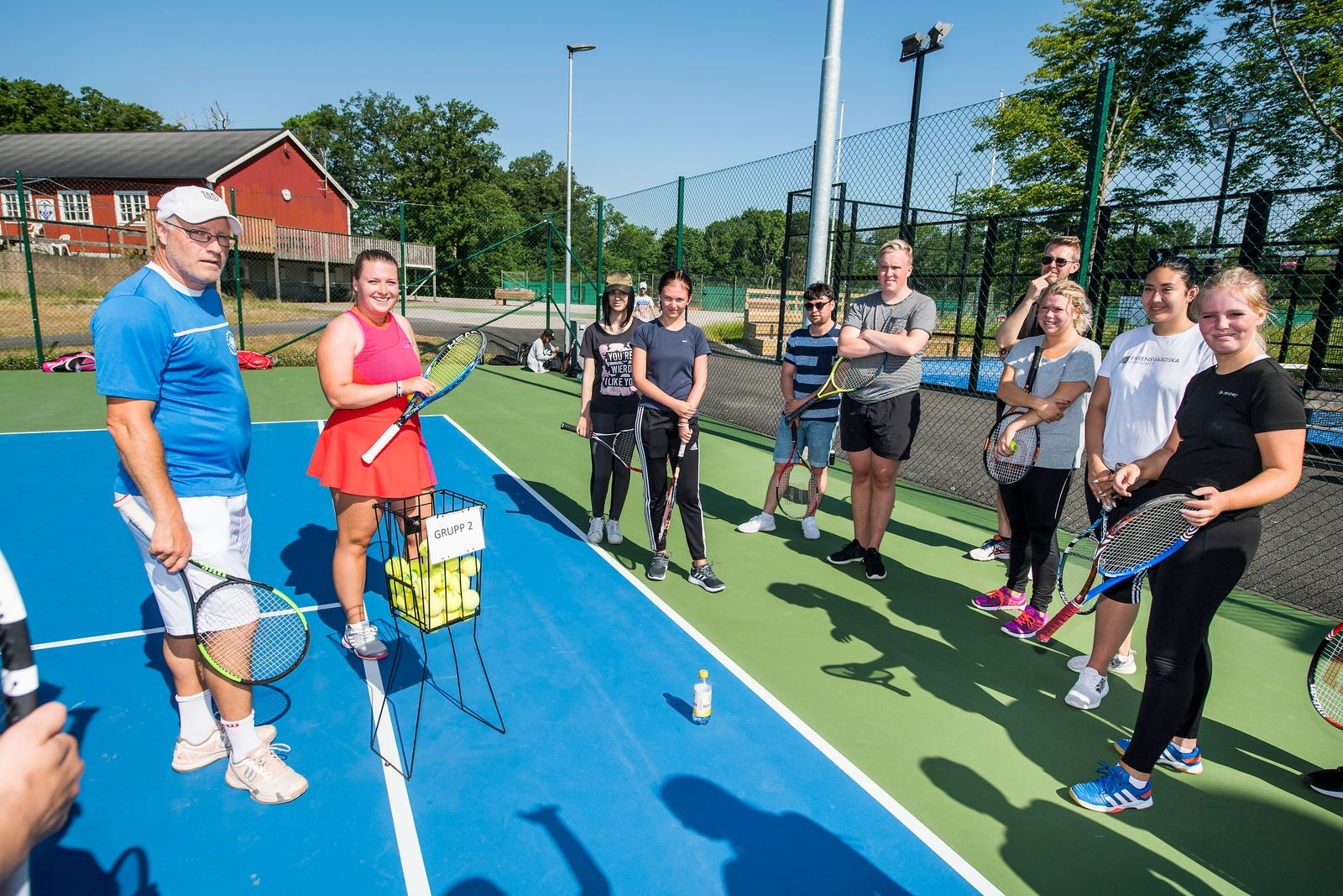Karlskrona tennisklubb höll i förmiddagens tennisspel.