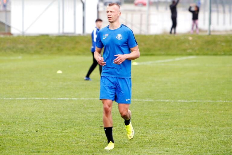 Joel Voelkerling Persson är hemma i Trelleborg och tränar med TFF:s U19-lag.