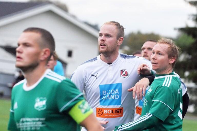 Oskar Karlssons Böda/Högby spelar avgörande match mot Vissefjärda nästa helg.