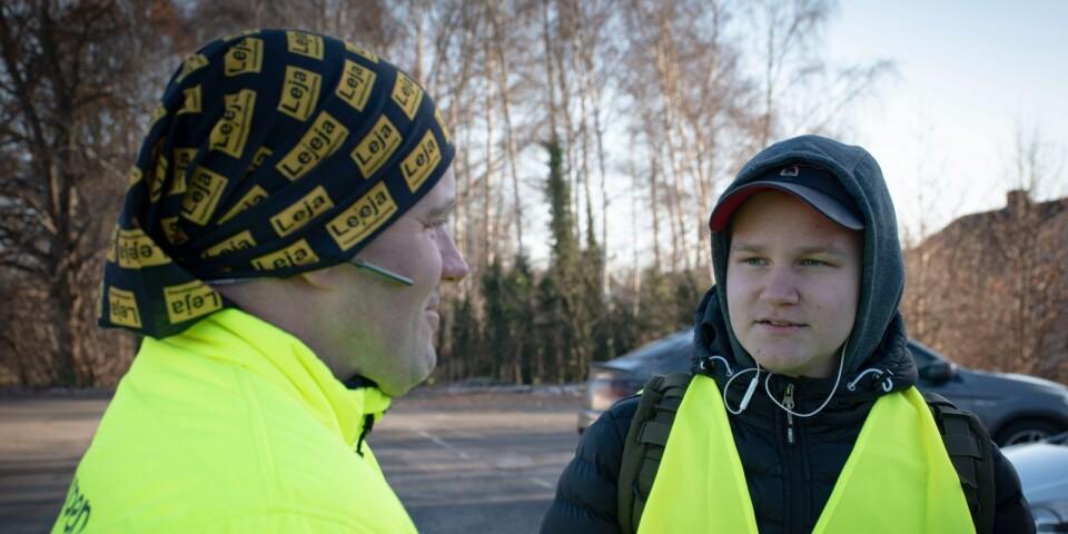 Magnus Gustavsson, från Tomelilla representerade Samaritgruppen Småland och sextonåriga Hugo Sullivan, Tollarp, var för ung för att delta i sökinsatser hjälpte till som frivillig.