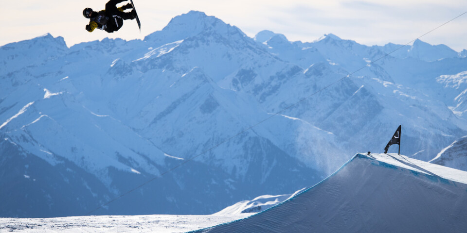 Sven Thorgren på sin snowboard i Schweiz tidigare i januari.