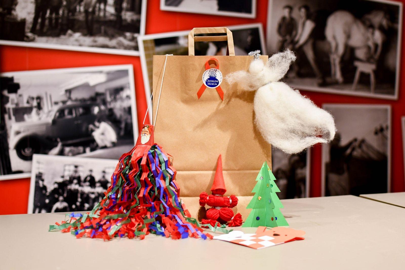 """""""I påskas sålde vi en pysselpåse som blev väldigt uppskattad, därför bestämde vi oss för att erbjuda en påse även till jul. Dessutom finns alltid """"månadens pyssel"""" framdukat inne på museet, som besökarna får göra helt kostnadsfritt."""""""