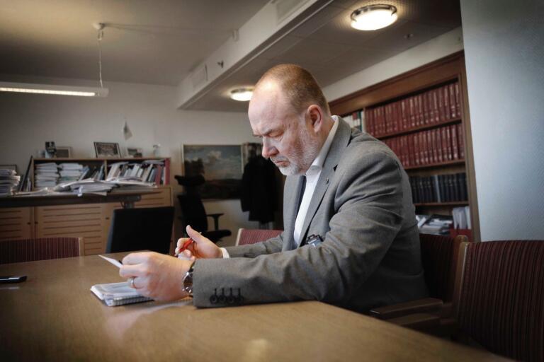 """De aktuella cheferna riskerar disciplinära konsekvenser: """"Är det riktigt allvarligt kan det finnas grund att avsluta en anställning"""", säger Svante Stomberg."""