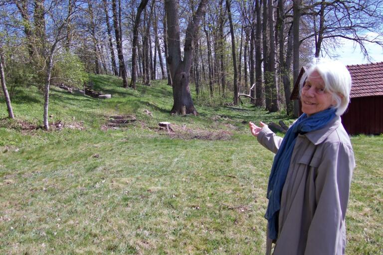 Dea Carlsson är glad att Engelska Parken har återuppstått och hoppas att många kommer att ta en promenad i området.