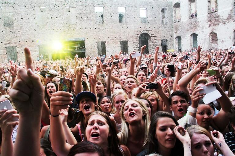 Het konsertsommar i slottsruinen