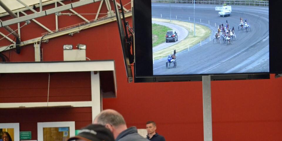 En ny hall med monitorer och bättre markservice. Det tar sig runt milesbanan.