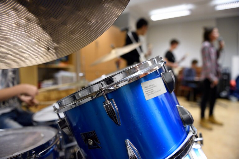Musiker får inte trumma för länge
