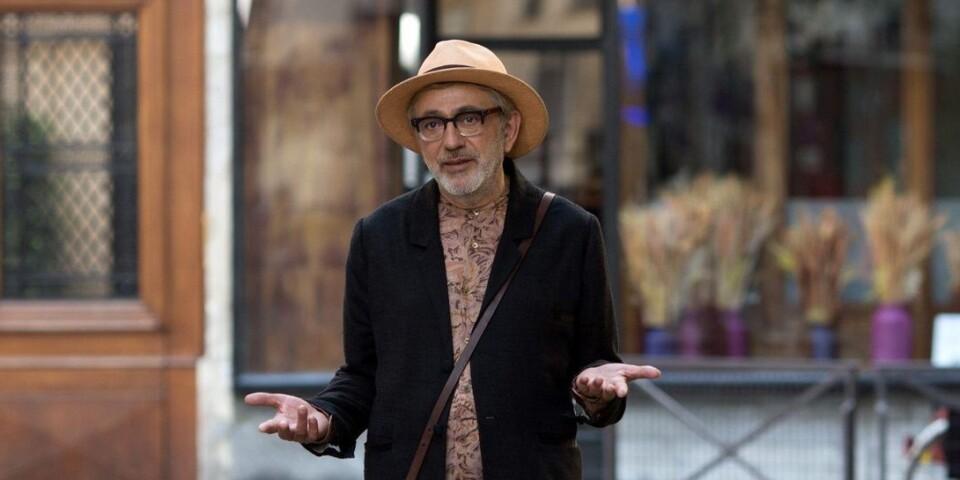 """Regissören och huvudrollsinnehavaren Elia Suleiman i """"It must be heaven""""."""