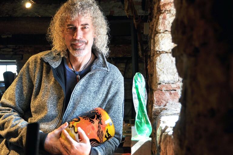 Glaskonstnären Robert Oldergaarden gästar Japan