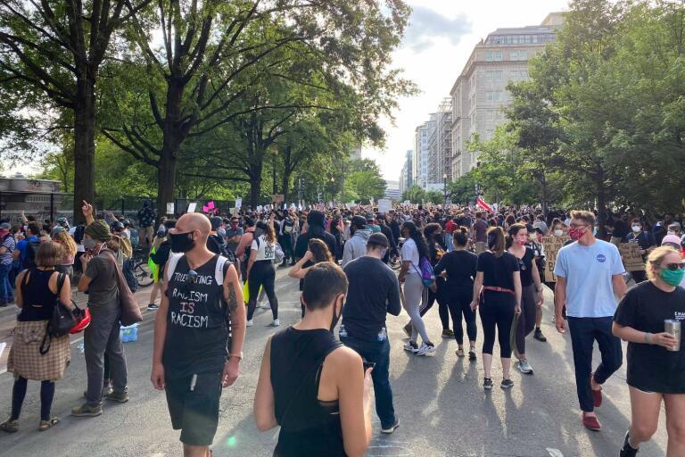 De allra flesta protester och demonstrationer i Washington under Black lives matter-rörelsen sker fredligt menar Amanda Bengtsson.
