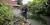 I trädgården på LSS dagverksamhets baksida är det fritt från insyn. Att ungdomar hänger här på kvällarna har länge varit ett problem. Anders Hansson, samordnare för trygghetsvärdarna, hoppas att kameraövervakning ska hjälpa.