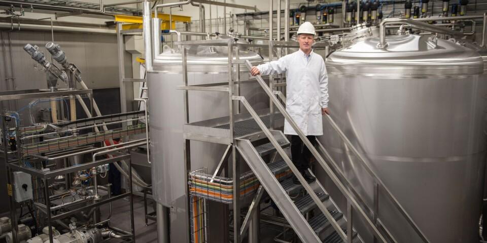 Trensums vd Jonas Danielsson i samband med höstens invigning av en ny produktlinje. Då gjordes en investering på 40 miljoner. Nu dubblas insatsen och ytterligare 15 personer anställs.