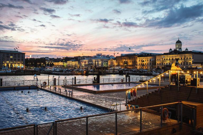 Från och med måndag tillåts fler besökare på evenemang i Finland. Arkivbild, Helsingfors.