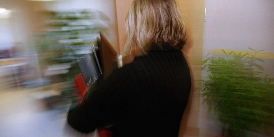 Stressen har ökat på Färsingaskolan, enligt den enkät som Lärarnas Riksförbund genomfört.