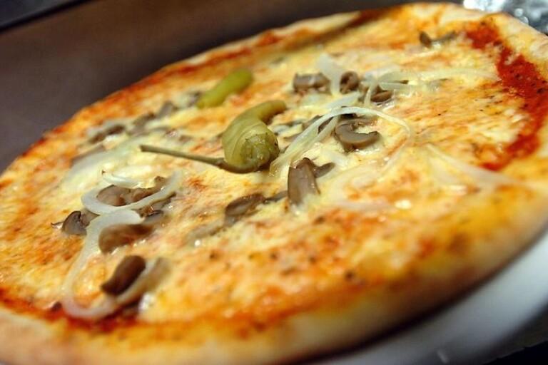 beställa pizza på natten
