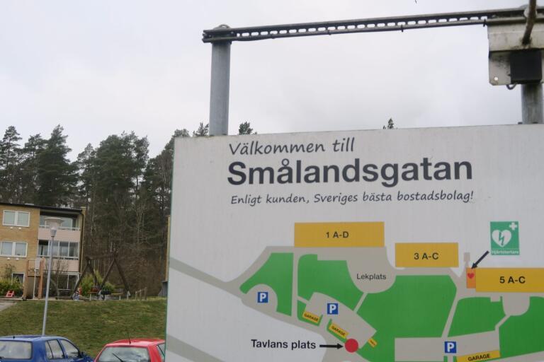 Nu har Olofströmshus på nytt räknat om hyrorna för lägenheterna på Smålandsgatan.