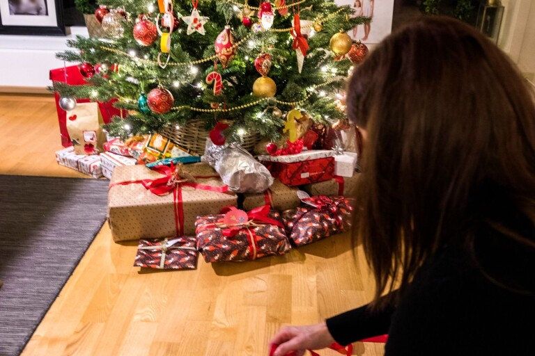 Kvinnojouren samlar in julklappar