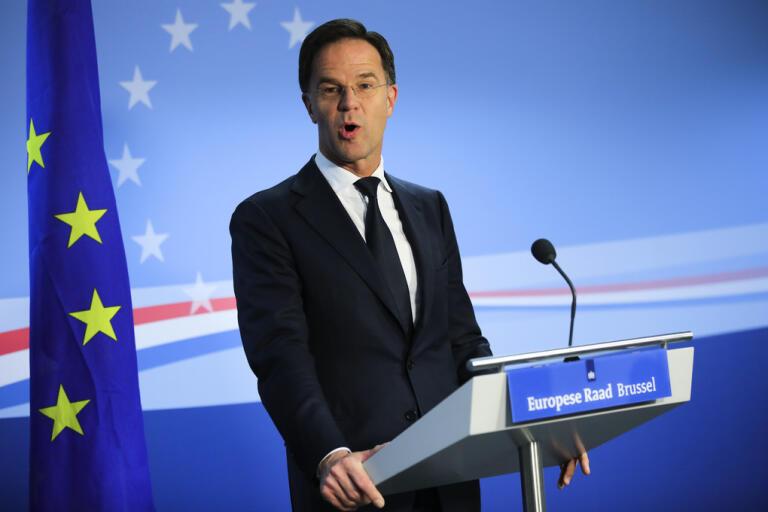 Nederländernas premiärminister Mark Rutte meddelade på en presskonferens att varken svenskar eller britter tillåts komma till Sverige i sommar. Arkivbild.