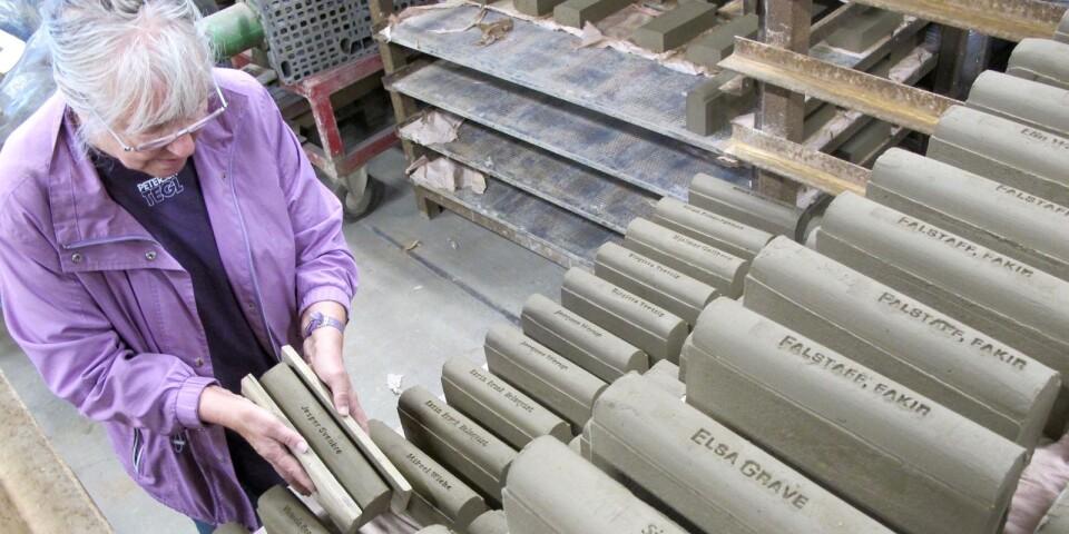 Ulla Viotti kom nyligen hem från en arbetsresa till Petersens tegelbruk på södra Jylland.