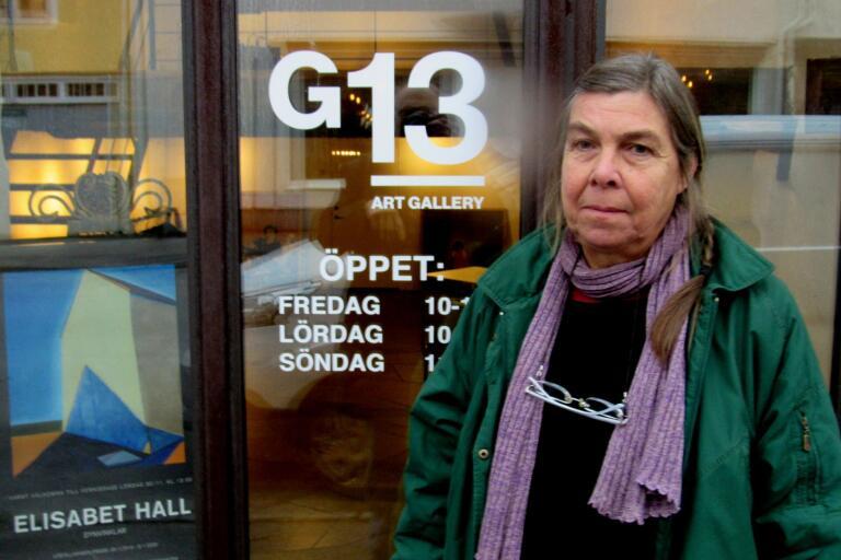 Elisabet Hall ställer ut målningar i Galleri 13 på Trädgårdsgatan i Borgholm och finns där till den 5 januari nästa år.