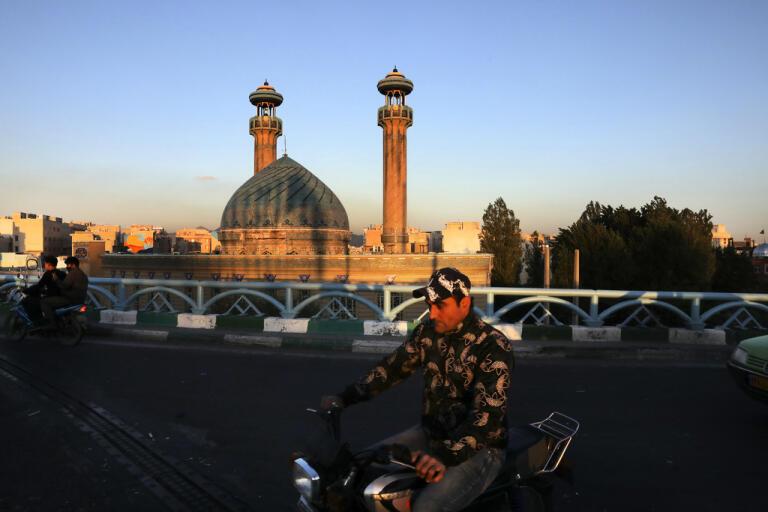 Snart öppnar Irans moskéer för bön igen. Arkivbild.