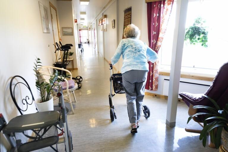 Beskedet: Besöksförbudet på äldreboenden upphör