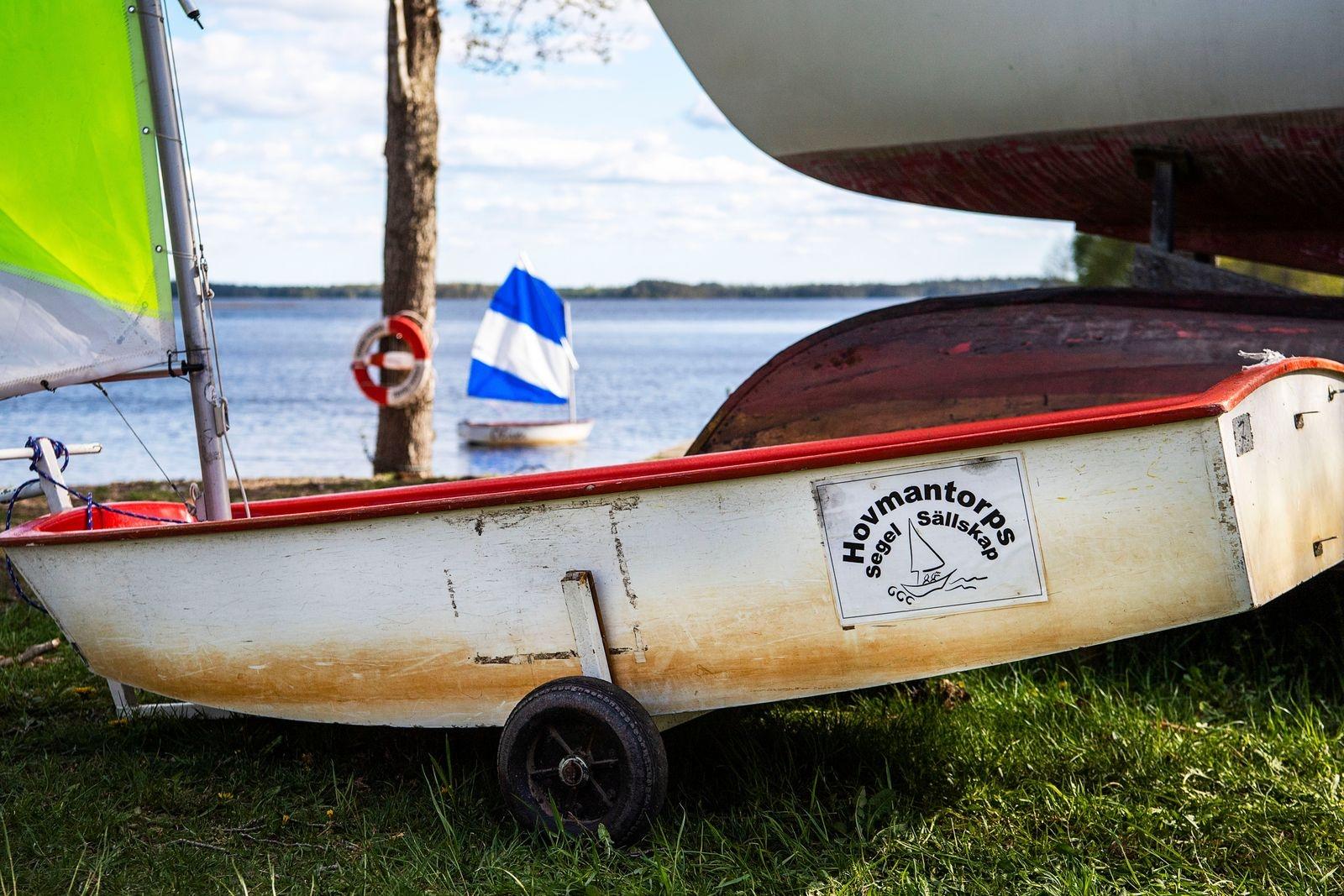 Klubben tillhandahåller båtar till dem som vill prova på.