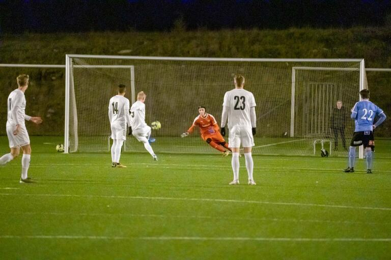 Kalmar FF vann träningsmatchen på Strandvallen efter ett straffmål i den andra halvleken.