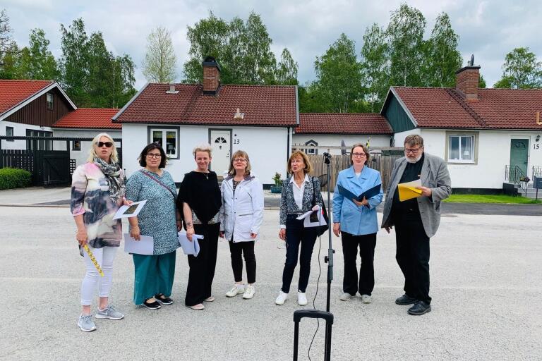 Jämshögs församlings personalkör genomför en lokal allsångsturné, med besök vid kommunens olika äldreboenden.