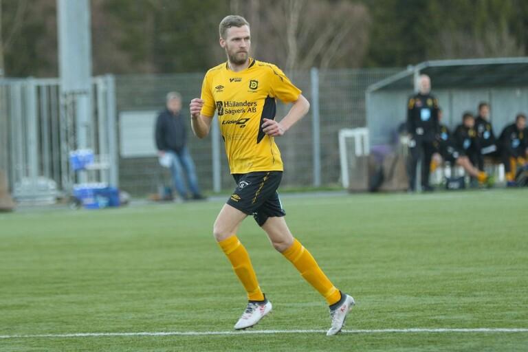 Marc Axengren avgjorde för Dalstorp borta mot Asarum.