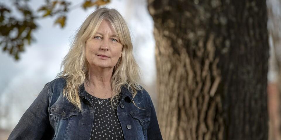 Torsdagen den 12 november gästas Simrishamns bibliotek av den hyllade författaren och tidigare österlenbon Karin Smirnoff.