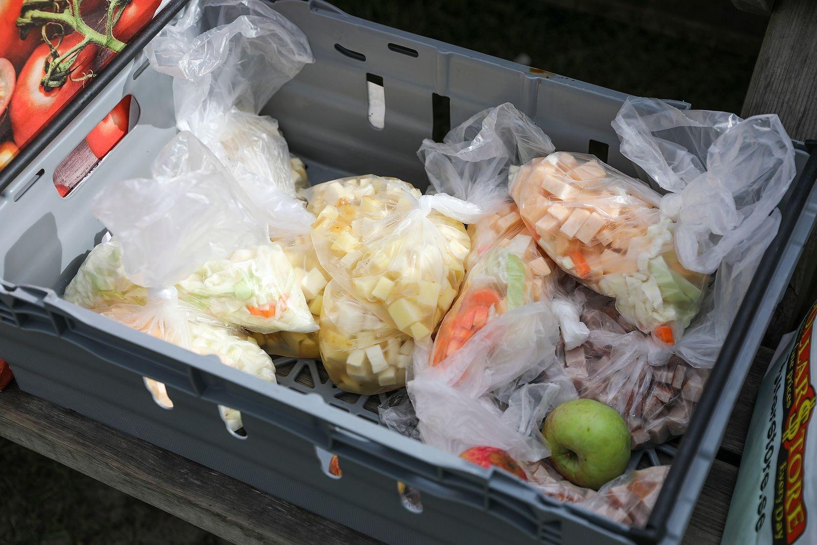 Årskurs 1 på restaurang och livsmedel hade förberett och skurit upp grönsakerna.
