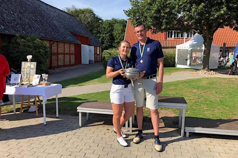 Amanda och Åke Lindahl från Ulricehamn tog hem SM för två generationer.