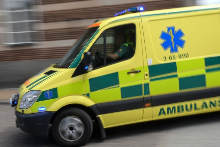 Arbetsplatsolycka: Ung man föll från byggnadsställning