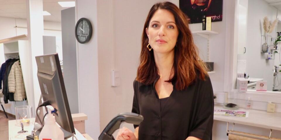 Emma Holgersson är en av delägarna för salong Figaro där man  märkt av en liten nedgång de senaste dagarna.
