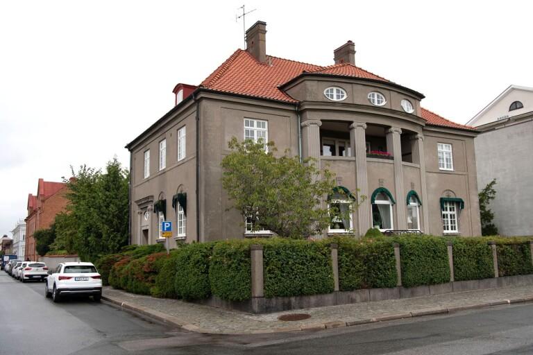 Pampig villa i centrum till salu – för 12,5 miljoner kronor