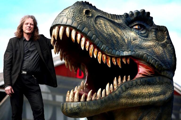 Följ med Roland Wiberg in i hans dinosaurievärld
