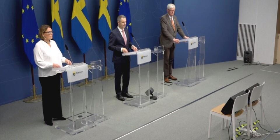 Svensk Handels vd Karin Johansson, näringsminister Ibrahim Baylan (S) och Folkhälsomyndighetens generaldirektör Johan Carlson höll en digital pressträff i Rosenbad.