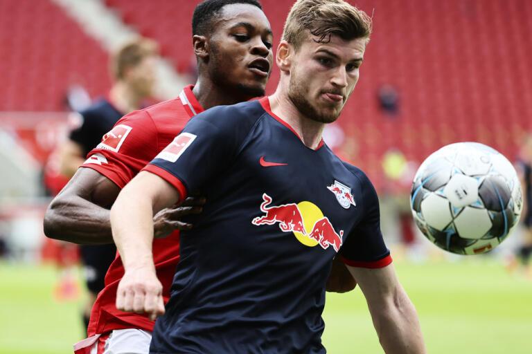 Leipzigs Timo Werner, i mörk tröja, gjorde hattrick för andra gången mot Mainz den här säsongen.