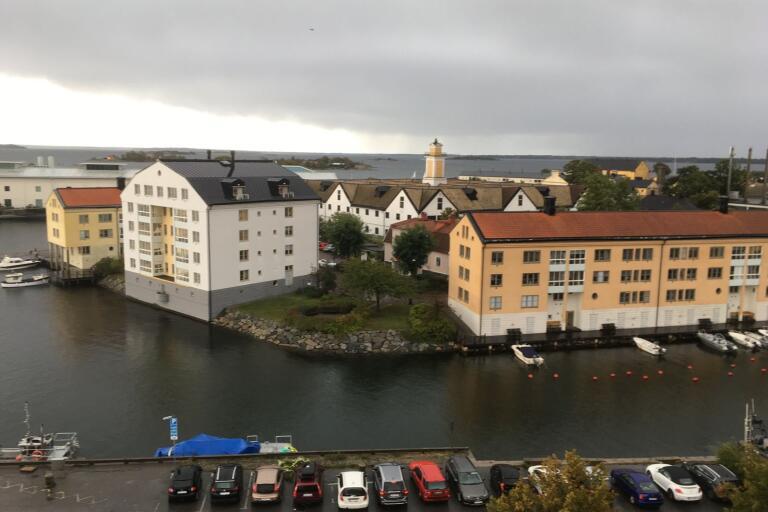 1993 visades Stumholmen upprustad och med nya bostäder. 2025 ska det bli en ny bomässa i Karlskrona.