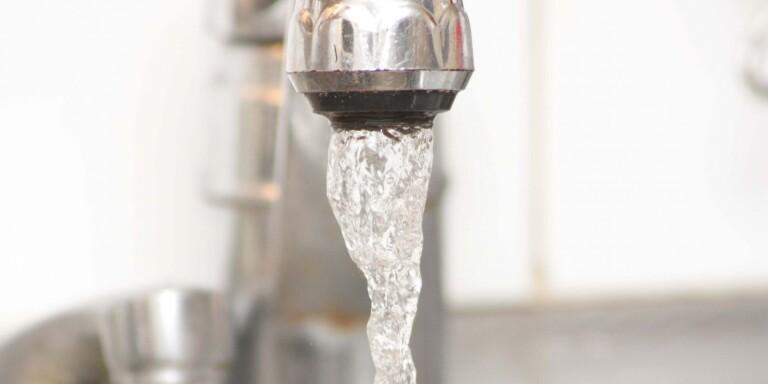 Vatten är ett livsnödvändigt livsmedel som alltfler i Mörbylånga kommun får del av via kommunala tjänster.