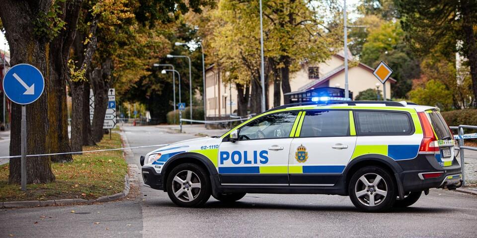 Polishuset i Karlshamn spärrades av efter att ett misstänkte föremål hittats.