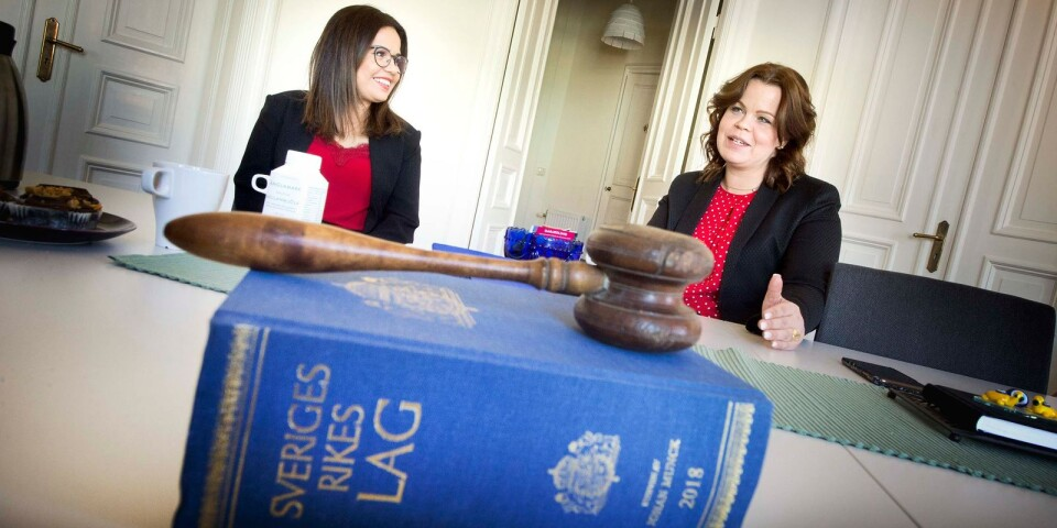 Iman Borgström used to work as a lawyer in Syria. Now she is getting the opportunity to take a step nearer the profession in Sweden, with the solicitor Emma Malm.