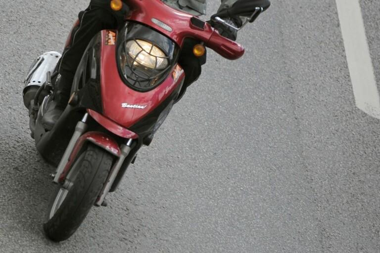 Bröt sig in i förråd – stal moped