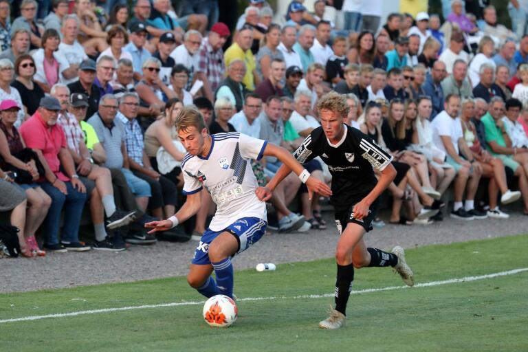 Öja FF var steget efter i den andra halvleken i YA-cupfinalen mot Rydsgård. Raif vann med 4–2.